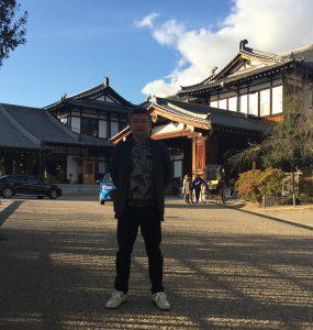 奈良ホテル玄関前-1